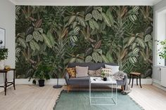 🌱 MISCHIEVOUS MONKEYS 🌱 The depth in this lush green wall mural creates a sheltered glade and great platform for small secrets and big… Botanical Wallpaper, Modern Wallpaper, Room Wallpaper, Photo Wallpaper, Designer Wallpaper, Wallpaper Jungle, Leaves Wallpaper, Wallpaper Online, Casa Milano