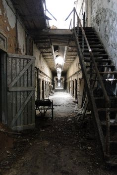 World's First Penitentiary – ESP – Abandoned Eastern State Prison in Pennsylvania Abandoned Prisons, Abandoned Buildings, Abandoned Places, Eastern State Penitentiary, Most Haunted, U.s. States, Adventure Awaits, Old Houses, Pennsylvania