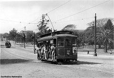 Bonde aberto (nove bancos)trafegando pelo Pq.D.Pedro II (São Paulo),sem data...
