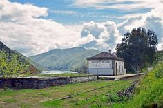 The disused train station at Quinta Melhor, nexto the Douro. Quinta de Castelo Melhor in the upper Douro Valley, Portugal Douro Valley, Train Station, Portugal, Road Trip, Spain, Mountains, Nature, Travel, Viajes