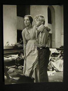 1966 Julie Andrews Hawaii Vintage Movie Photo