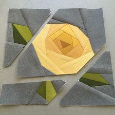 how to do crazy patchwork Paper Pieced Quilt Patterns, Patchwork Patterns, Patchwork Quilting, Quilt Block Patterns, Pattern Paper, Hexagon Quilt Pattern, Rose Patterns, Block Quilt, Paper Patterns