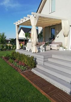 Backyard Patio Designs, Backyard Projects, Pergola Patio, Diy Patio, Backyard Landscaping, Patio Grande, Landscaping Retaining Walls, Back Patio, Outdoor Living