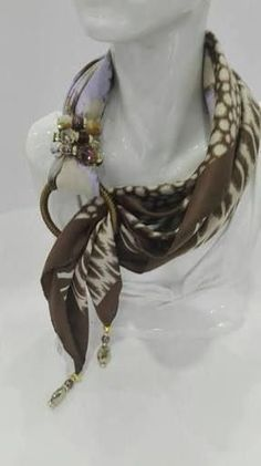 Scarf Knots, Scarf Rings, Scarf Necklace, Diy Scarf, Fabric Necklace, Scarf Jewelry, Fabric Jewelry, Jewelry Necklaces, Scarf Ideas