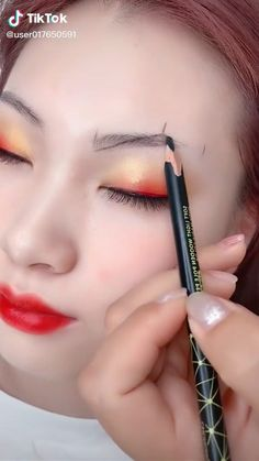 Eyebrow Makeup Tips, Makeup Tutorial Eyeliner, Makeup Looks Tutorial, Eye Makeup Steps, Contour Makeup, Makeup Videos, Skin Makeup, Eyeshadow Makeup, Perfect Eyebrows Tutorial