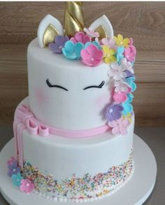 Awesome Birthday Party Ideas for Girls – Unicorn Cake Unicornio con flores Unicorn Themed Birthday Party, Cake Birthday, Birthday Kids, Pink Birthday, Unicorn Birthday Cakes, Decors Pate A Sucre, Diy Cake, Girl Cakes, Savoury Cake
