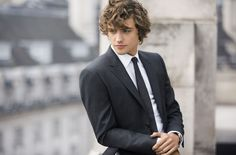 http://www.gq-magazine.co.uk/gallery/behind-the-scenes-of-the-mr-burberry-shoot