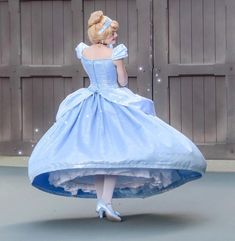 Cinderella Cosplay, A Cinderella Story, Disney Girls, Disney Princess, Windy Skirts, Disney Face Characters, Lily James, Crazy Facts, Disney Dreams