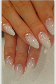 Almond nails. Glitter to white.