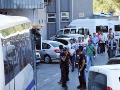 Foça'da gözaltına alınan 206 askerden 96 asker daha serbest - Çınar Haber Ajansı
