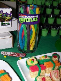 Teenage Mutant Ninja Turtles Birthday Party Ideas love the sushi Turtle Birthday Parties, Ninja Turtle Birthday, Ninja Turtle Party, Ninja Turtles, Boy Birthday, Turtles Candy, Birthday Ideas, Dinosaur Birthday, Birthday Cake