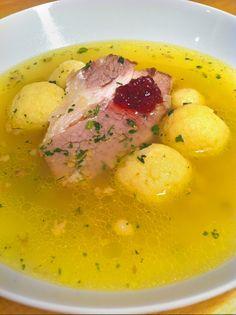 Griessklösschensuppe