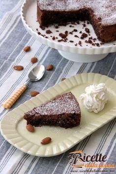 La torta caprese più classica, di facile esecuzione e con pochi ingredienti