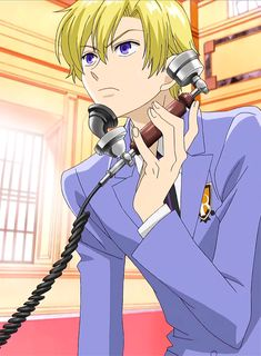 An important phone call made by Tamaki Suo Ouran Highschool Host Club, Ouran Host Club, High School Host Club, Manga Boy, Host Club Anime, School Clubs, Kaichou Wa Maid Sama, Another Anime, Anime Fantasy