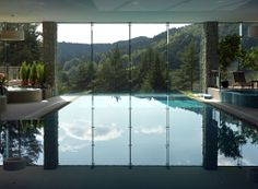 Hotel SPA Dr Irena Eris is located in a picturesque valley, at the bottom of the Jaworzyna Krynicka mountain in Krynica Zdrój, Poland. The large area of glass and seamless joints between the adjacent panels of Pilkington Planar™ structural glazing system allow for maximum transparency of the facade and therefore proximity to nature.