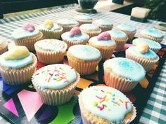 Cupcakes de vainina con glasa real