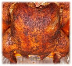 An average of 8 billion chickens are sold in the United States every year, making it an extremely popular meat to throw on the smoker. Smoked Chicken Recipes, Smoked Beef, Grilled Recipes, Barbecue Smoker, Barbecue Chicken, Grilling, Chicken Roaster, Smoker Recipes, Smoker Cooking