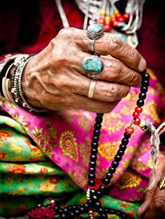 Ladakh (India) woman's hand with mala (buddhist prayer be. Ladakh (India) woman's hand with mala (buddhist prayer beads), ladakh, india Buddhist Prayer, Buddha Buddhism, Tattoo Main, Ladakh India, Tattoo Bracelet, Prayer Beads, Beautiful Hands, Beautiful Soul, Beautiful Pictures