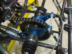 Formula SAE: Part The Little Team That Could By David Zipf Last time we took you through the hand built chassis and suspension of the 2011 University of… Go Kart Buggy, Off Road Buggy, Kart Cross, Homemade Go Kart, Go Kart Parts, Diy Go Kart, Tube Chassis, Offroader, Reverse Trike