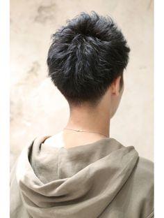 アフロート ルヴア 新宿(AFLOAT RUVUA)◎AFLOAT◎黒髪無造作ショートセミウェット刈り上げビジカジ