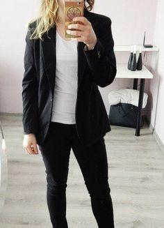 Kup mój przedmiot na #vintedpl http://www.vinted.pl/damska-odziez/marynarki-zakiety-blezery/16829363-czarna-marynarka-hm