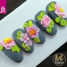 Cat Nail Art, Cat Nails, Flower Nail Designs, Nail Art Designs, Gel Polish Designs, Bella Nails, Confetti Nails, Airbrush Nails, Edgy Nails