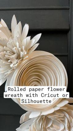 Rolled Paper Flowers, Paper Flower Wreaths, Paper Flowers Craft, Paper Flower Wall, Easy Paper Crafts, Gazebo Decorations, Paper Decorations, Foam Flower, Sunflower Mandala