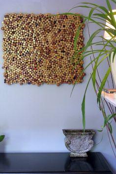 Cuadro decorativo realizado con tapones de vino
