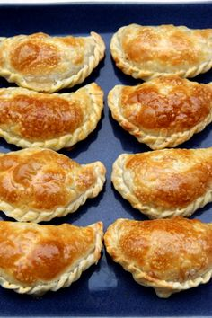 Mushroom empanadas (maybe we do some with beef as well) and could pair with the Pisco Sour a drink/food from her first time abroad. Mexican Dishes, Mexican Food Recipes, Vegetarian Recipes, Cooking Recipes, Pisco Sour, Appetizer Recipes, Appetizers, Mets, Love Food