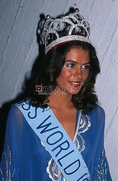 On a side note, Bob Marley's ex girlfriend was a former Miss Jamaica and later Miss World (1976), Cindy Breakspeare. Description from forumbiodiversity.com. I searched for this on bing.com/images