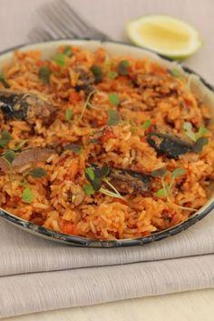 SACA | Lucky Star Pilchard Paella Star Food, Lucky Star, Healthy Recipes, Healthy Foods, Paella, Fried Rice, Fries, Ethnic Recipes, Paradise
