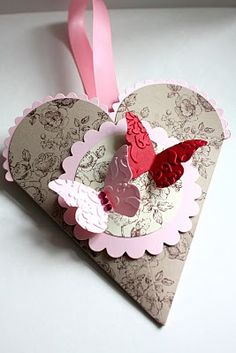Cute Valentine's Day gift/favor. Fill the little pouch with candies, or even just make it a card.    (DeAnna Tam  Stampin' Up!)