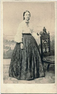 White body with dark skirt. The white fabric would be very fine quality, often slightly sheer. Not a broadcloth like many women try to wear today. Victorian Era Fashion, Victorian Dresses, Victorian Gothic, Gothic Lolita, Gothic Fashion, Vintage Photographs, Vintage Photos, Civil War Fashion, Civil War Dress
