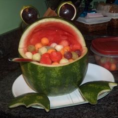Fruit Salad Froggie This looks great for the End of school picnic!