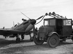 Refuelling a Spitfire of No 19 Squadron at Fowlmere during the Battle of Britain, September Ww2 Aircraft, Fighter Aircraft, Military Aircraft, Spitfire Airplane, Fuel Truck, The Spitfires, Supermarine Spitfire, Ww2 Planes, Battle Of Britain