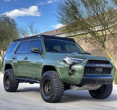 Overland 4runner, Toyota 4runner Trd, Toyota Tacoma, Tacoma Trd, Toyota Trucks, Toyota Cars, Toyota Runner, 4th Gen 4runner, Best Off Road Vehicles