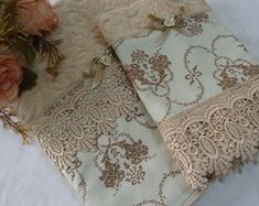 Bathroom Towels, Baby Girl Dresses, Needlework, Sewing Projects, Decorative Boxes, Patches, Fancy, Embroidery, Rugs
