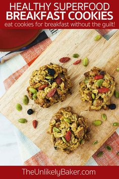 Now you can eat cookies for breakfast without the guilt! These healthy superfood breakfast cookies are packed with nutrient rich ingredients like goji berries and chia seeds. You can also customize it however you like and add your favourite ingredients for perfect cookies every time. #breakfastcookies #healthycookis #superfood Healthy Protein Bars, Healthy Foods To Eat, Healthy Treats, Easy Healthy Recipes, Clean Eating Breakfast, Breakfast Ideas, Delicious Breakfast Recipes, Brunch Recipes, Nutritious Smoothies