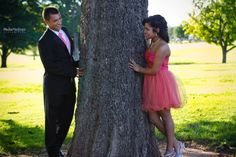 Cute couple posing for some photos before Senior Prom. not a senior yet but still :) Homecoming Poses, Homecoming Pictures, Prom Photos, Senior Prom, Prom Pics, Senior 2018, Senior Year, Prom Pictures Couples, Prom Couples