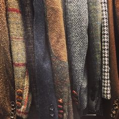 Tweed for all shapes and sizes just in, including an incredible vintage Anderson & Sheppard 1968 donegal herringbone. Der Gentleman, Gentleman Style, Look Fashion, Mens Fashion, Fashion Styles, Well Dressed Men, Haberdashery, British Style, Menswear