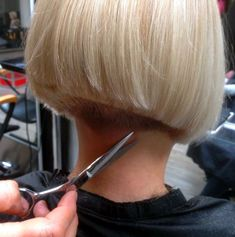 Pretty Pale Blonde - 60 Layered Bob Styles: Modern Haircuts with Layers for Any Occasion - The Trending Hairstyle Shaved Bob, Shaved Nape, Angled Bob Haircuts, Layered Haircuts, Wedge Hairstyles, Long Bob Hairstyles, Short Hair Cuts, Short Hair Styles, Blonde Bobs