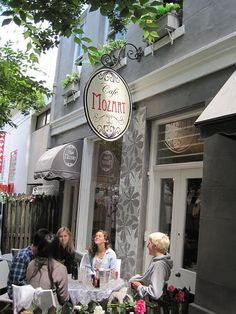 Cafe Mozart - Cape Town. One of the 1st coffee shops in Cape Town.