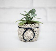 Flower Pot Cozy, Succulent Planter by BerriesForBella #succulentplanter #handmade #crochet