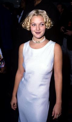 A Brief Ode to Drew Barrymore, Queen of the 90s - Throwback