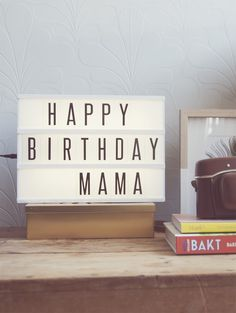 How to reuse an old light box Mama Dearest, Lightbox Quotes, Cinema Box, Licht Box, Boxing Quotes, Old Lights, Light Letters, Reuse, Letter Board
