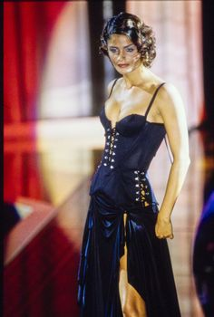 Versace Spring 1995 Ready-to-Wear Accessories Photos - Vogue