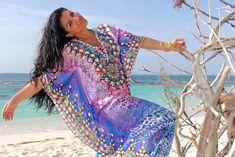 See Asa Soltan Rahmati's Kaftan Line Boho Fashion, Fashion Beauty, Travel Fashion, Fashion Ideas, Fashion Inspiration, Bikini And Wedges, Cruise Outfits, Cruise Clothes, Spring Summer Trends