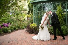 Denver Botanic Gardens is a WeddingWire Editor's Pick for top garden wedding venues!