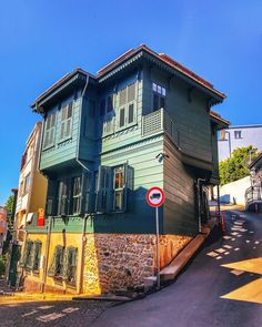 Turkish Architecture, Istanbul, Mansions, House Styles, Travel, Haus, Mansion Houses, Trips, Traveling