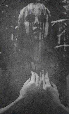 Arte Excéntrico: Krist Mort #bw #portrait